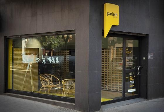 Parlem Telecom abrirá decenas de tiendas físicas en Cataluña.