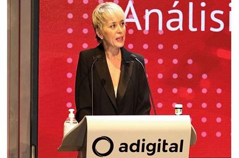 Carme Artigas, Secretaria de Estado de Digitalización e Inteligencia Artificial, en la presentación del informe de Adigital.