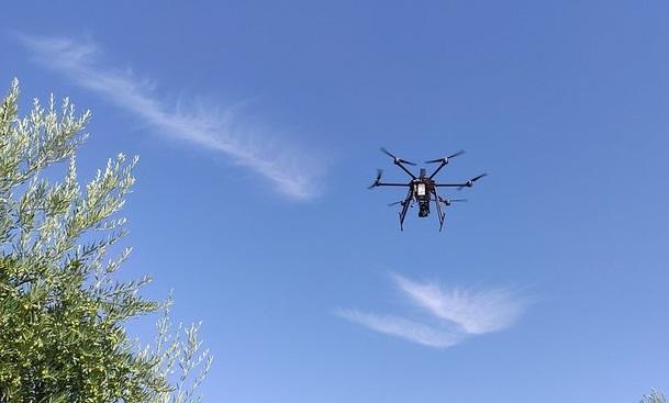 Primer vuelo de dron 5G en 700 MHz.
