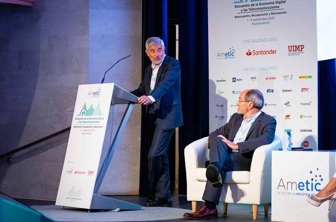 Ángel Rivera, director general de Banca Comercial de Banco Santander España. Fuente: AMETIC.