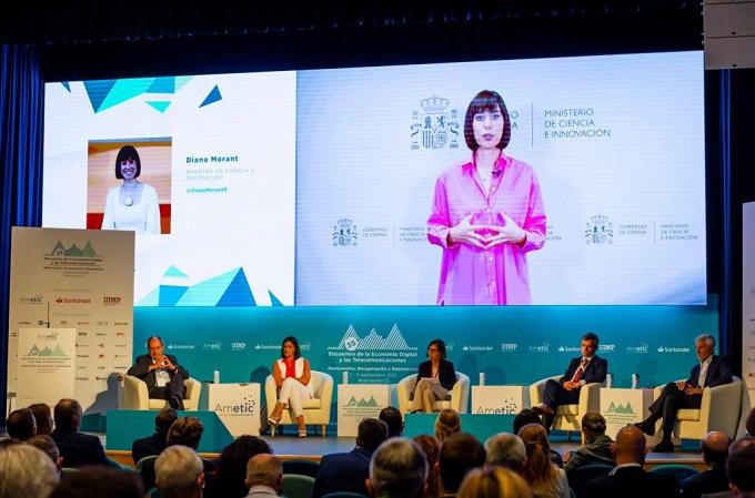 Diana Morant, ministra de Ciencia e Innovación. Fuente: AMETIC.