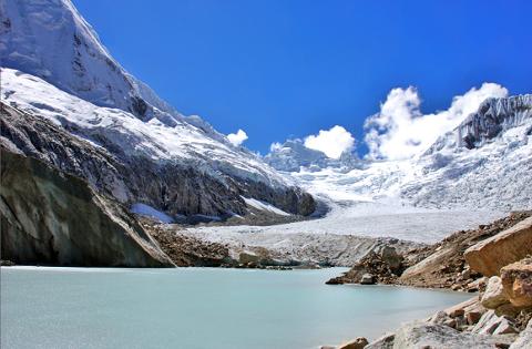 Monitorizando la desaparición de los glaciares de Perú desde la nube de AWS
