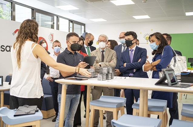Aula del Futuro: proyecto público-privado para educar en la era digital.