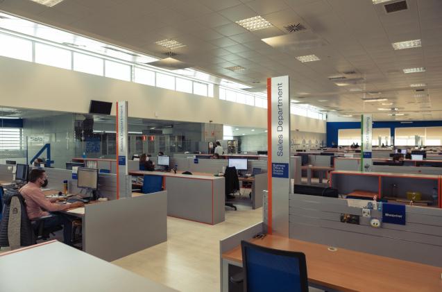 Oficina de Esprinet en Zaragoza, con el personal repartido por turnos.