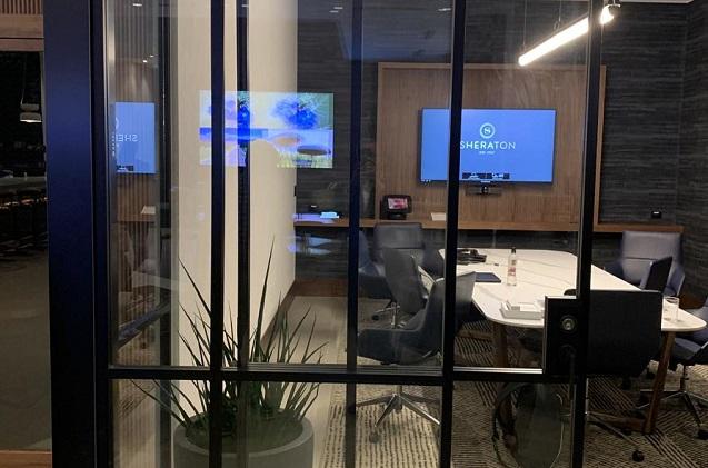 Marriott responde al trabajo híbrido con Barco ClickShare Conference.