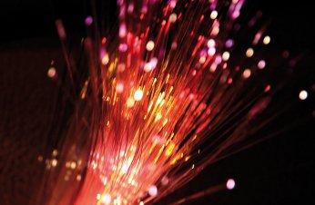 La CNMC facilita el despliegue de fibra de los operadores alternativos