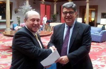 Jaime Soto, presidente de Fenitel Asturias y José Pérez, consejero delegado de Recyclia