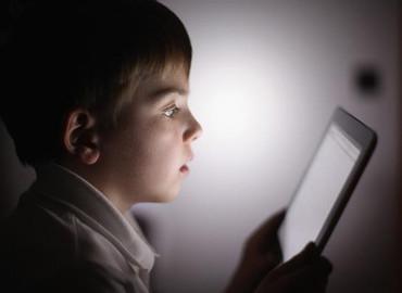 El 54% de los padres admiten desconocimiento sobre seguridad en el uso de dispositivos