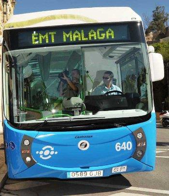 La EMT de Málaga permite pagar el billete de autobús con el smartphone.