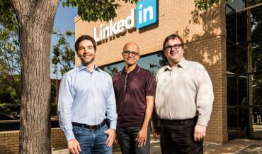 Jeff Weiner (Linkedin), Satya Nadella (Microsoft) y Reid Hoffman (Linkedin)