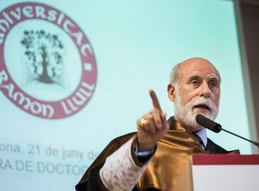 Vinton Cerf, Honoris Causa de la Ramon Llull.