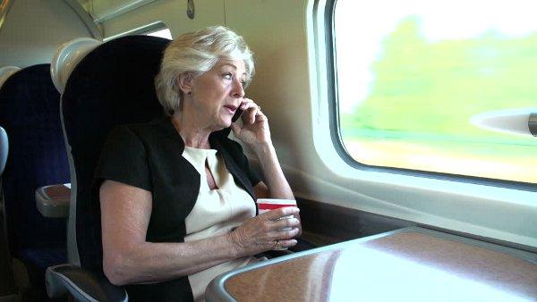 Siemens investiga cómo reducir el freno en la transmisión de frecuencia de radio que provocan las ventanas de los trenes.