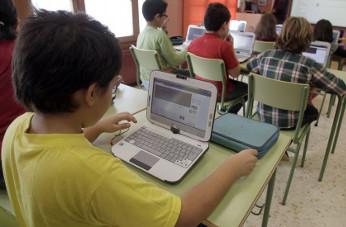 Orange conectará a través de fibra y Wi-Fi a los colegios gallegos
