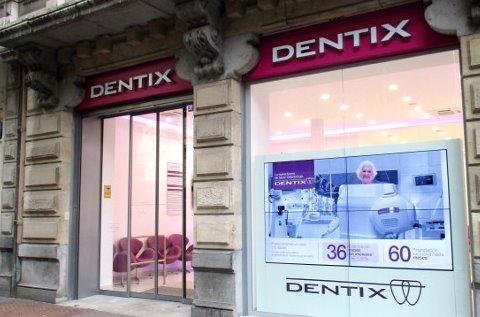 Clínica de Dentix con digital signage de LG.