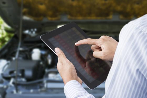 A las empresas les inquieta que sus empleados miren Internet mientras conducen