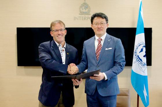 Cisco colabora con la INTERPOL para combatir el cibercrimen