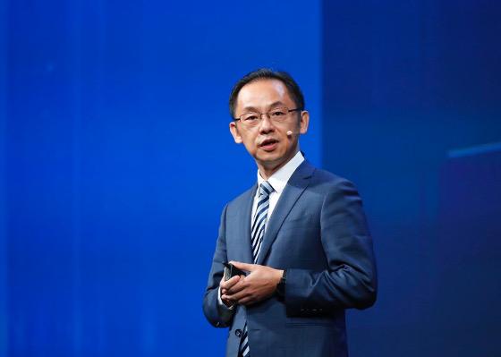 Ryan Ding, presidente de la Unidad de Negocio de Carrier de Huawei, durante su discurso durante el MBBF 2017.