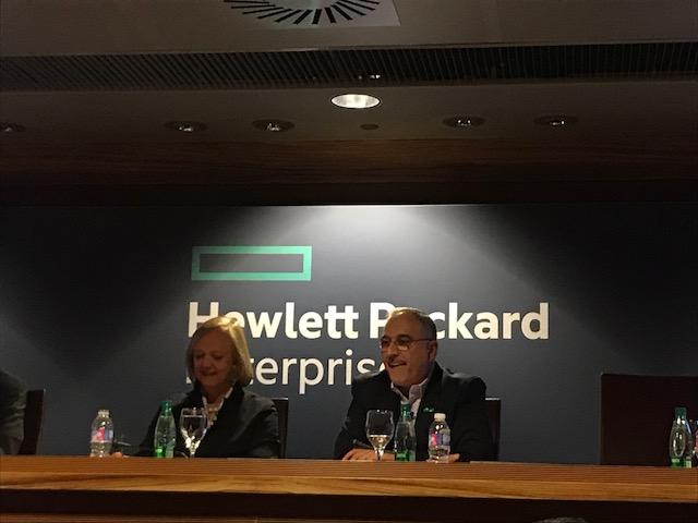 Meg Whitman, CEO de HPE, y Antonio Neri, Presidente de HPE, durante la rueda de prensa con los medios (de izq. a drch.)