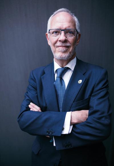 Eugenio Fontán Oñate, Decano-Presidente del Colegio Oficial de Ingenieros de Telecomunicación.