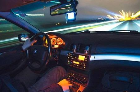 Cuatro desafíos digitales para hacer realidad el coche conectado.