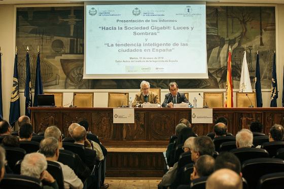 Eugenio Fontán, decano-presidente del COIT y Carlos del Álamo, presidente del Instituto de la Ingeniería de España.