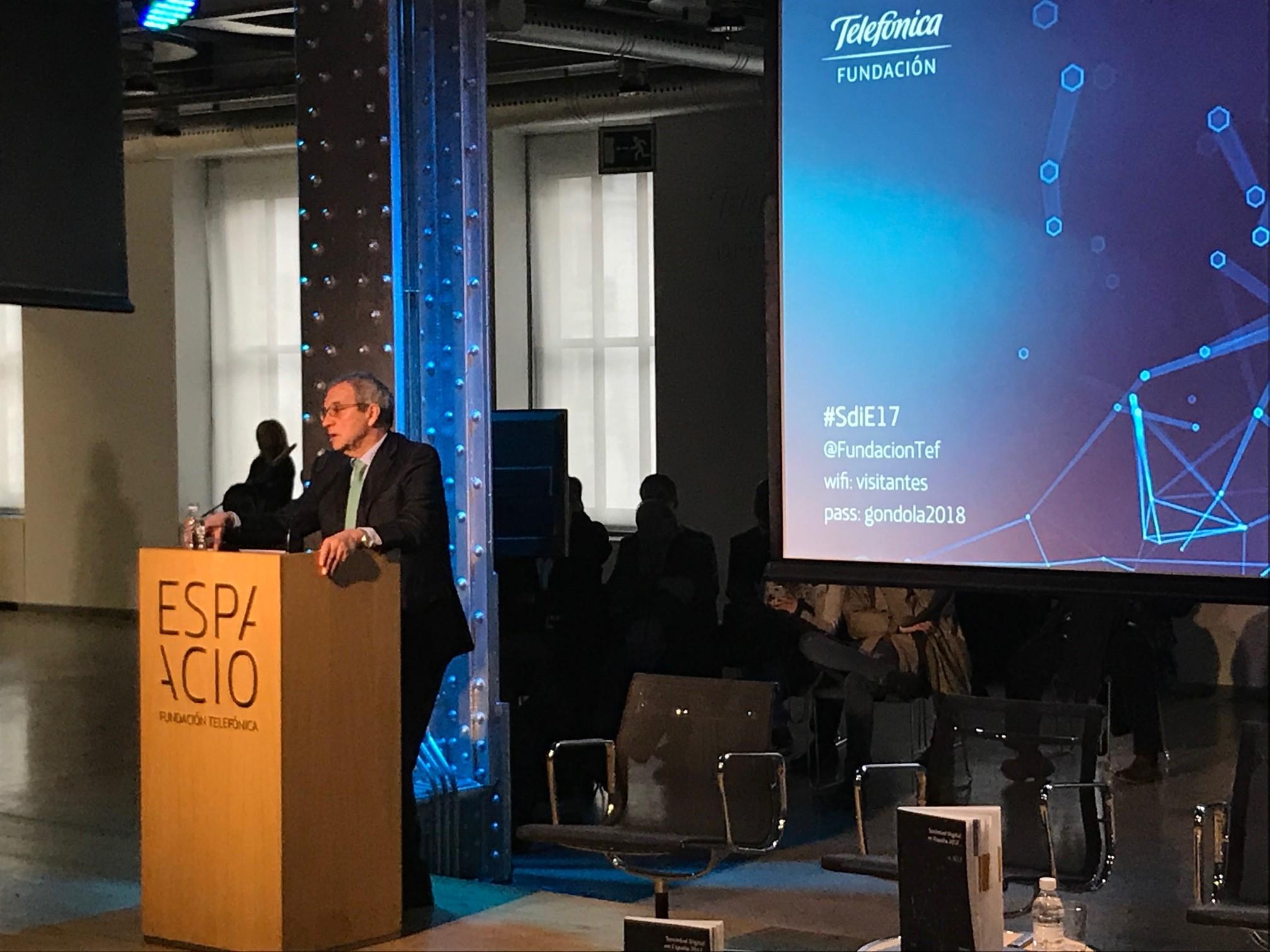El presidente de la Fundación, Cesar Alierta, durante su intervención