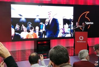 José María Lasalle atiende la primera llamada 5G