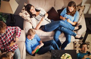 Motorola examina qué perfil de usuario es el que más depende de su smartphone o qué tipos de comportamientos problemáticos son los más habituales