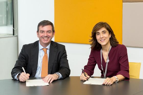 Francisco Arteche, consejero delegado del Grupo Euskaltel, y Pilar López, presidenta de Microsoft Ibérica.