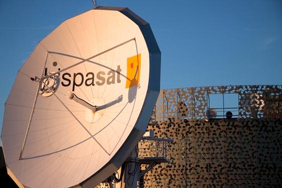 Hispasat podrá dar servicios satelitales de datos, voz y vídeo en una misma antena