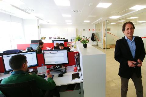Emilio Sánchez-Clemente, en las oficinas de DMI.