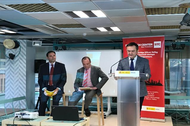 El director general de Red.es, José Manuel Leceta, junto al director general de Internacionalización de la Empresa del ICEX, Javier Serra y el Gerente del Spain Tech Center, Christian Prada.