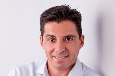 Isidro Velis.