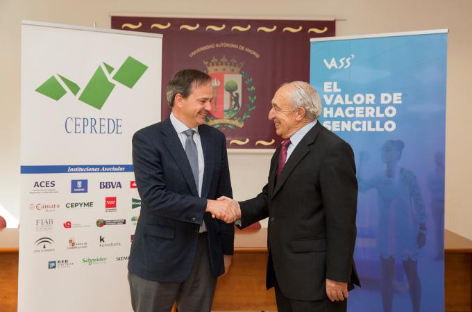 Javier Latasa, presidente de VASS, y Antonio Pulido, director general de Ceprede.