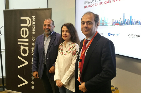 Fernando Feliu (V-Valley), Elba Fernández Novoa (Microsoft) y Carlos Delso (Huawei Empresas).