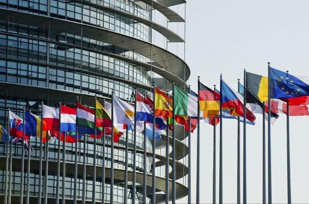 Banderas de los países de la Unión Europea.