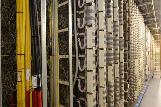 Repartidor de cobre. Vertical del Repartidor Cobre de una central Telefónica. Por esta zona del repartidor se reciben los pares que vienen de los domicilios de los clientes.