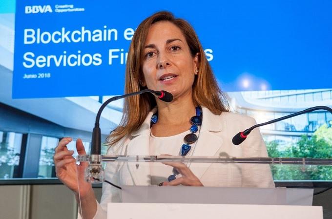 Alicia Pertusa, responsable de Estrategia y Blockchain de BBVA, durante su intervención en APIE 2018.
