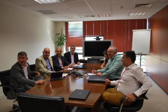 Acuerdo entre AOTEC e Intracom para potenciar la banda ancha ultrarrápida y el desarrollo de 5G