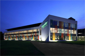 fachada de las oficinas de Schneider electric