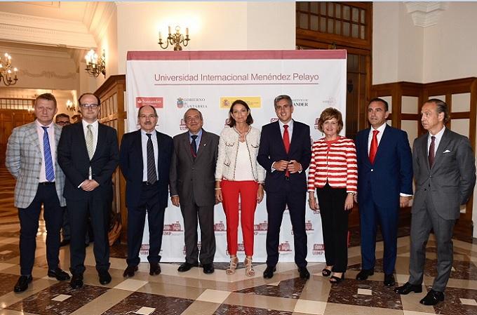 Reyes Maroto reitera en Santander el compromiso del Gobierno con la economía digital
