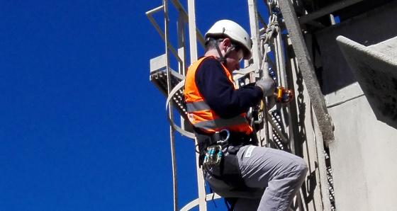 En 2016 el sector telco registró 1.331 accidentes con baja laboral