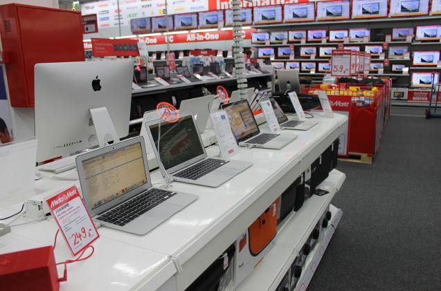 Ordenadores en una tienda de MediaMarkt.