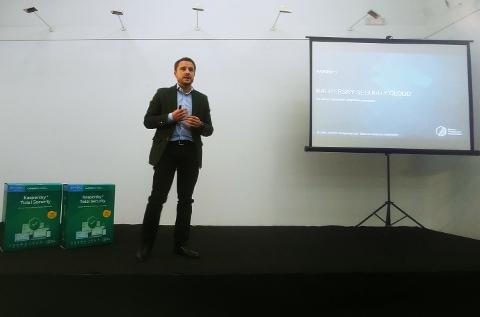 Pedro García-Villacañas presenta en Madrid el Kaspersky Security Cloud.