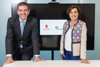 Firma Euskaltel e Iberdrola. Consejeros delegados de ambas compañías