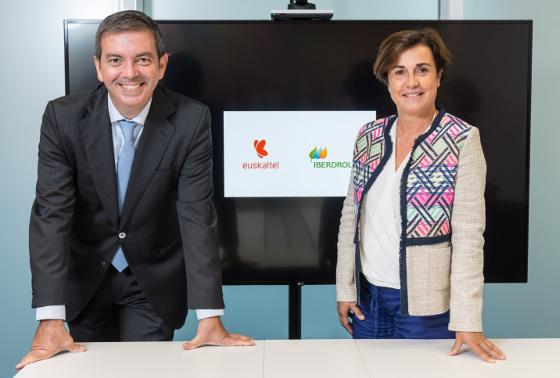 Firma acuerdo Euskaltel e Iberdrola. Consejeros delegados de ambas compañías.