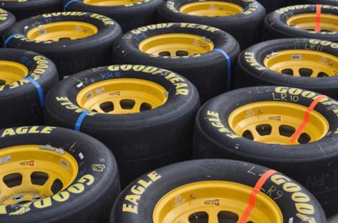 Neumáticos de Good Year.