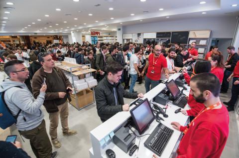 Una tienda de Xiaomi en el día de su inauguración.
