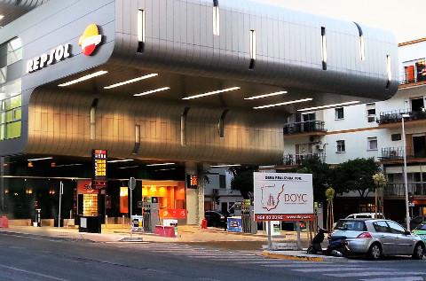Estación de servicios construida por DOYC.