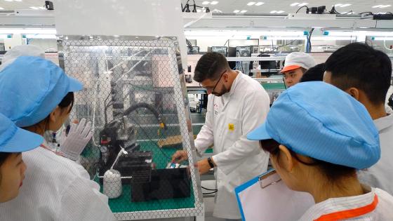 ha BQ crea una fábrica en la que trabajarán 100 ingenieros españoles y producirá 20.000 terminales al día.